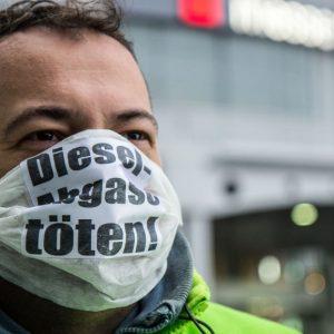 Kampagne der Deutschen Umwelthilfe für Luftreinheit bei der Internationalen Automobilausstellung in Frankfurt. (Quelle: DUH/Maximilian Urschl)
