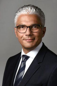 """""""Die Transformation zur Nachhaltigkeit kann nicht ohne die lokale Ebene gelingen"""", sagt OBM Ashok Sridharan aus Bonn. (Quelle: Bundesstadt Bonn/Regina Spitz)"""