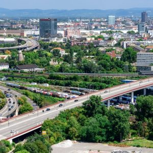 Sanierungsbedürftig: Die Hochstraßen in Ludwigshafen sind eine wichtige Verkehrsader der Metropolregion Rhein-Neckar. (Quelle: Stadt LUdwigshafen/Joachim Werkmeister)