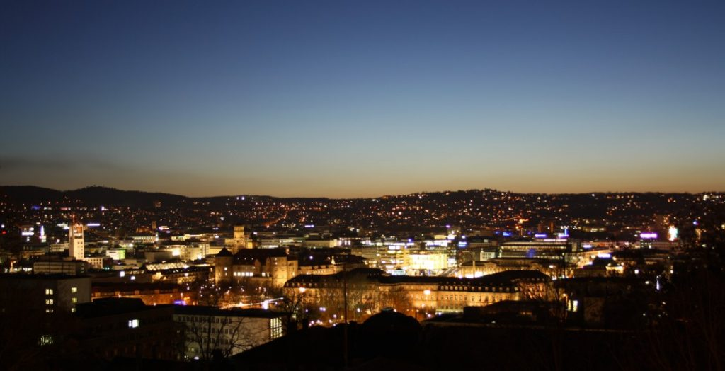 Stuttgart bei Nacht (Quelle: Landeshauptstadt Stuttgart)