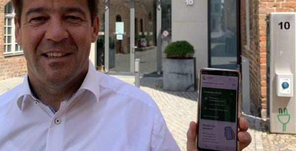 Nutzt die Corona-Warn-App: OBM Steffen Scheller aus Brandenburg an der Havel. (Quelle: Stadt Brandenburg an der Havel)