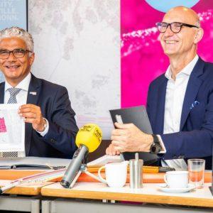 OBM Ashok Sridharan (links) und Tim Höttges (Quelle: Bundesstadt Bonn/Giacomo Zucca)