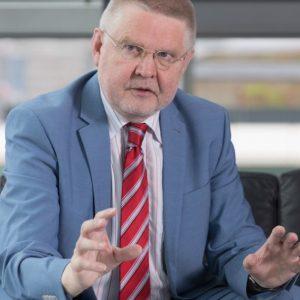 Hans-Günter Henneke (Quelle: Deutscher Landkreistag/Marc Darchinger)