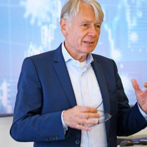 OBM Klaus Weichel bei der Präsentation des Prognosetools (Quelle: ITWM)