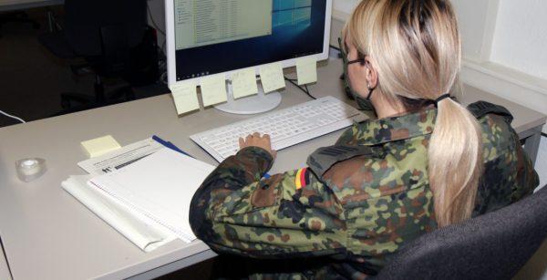 Amtshilfe: Die Bundeswehr unterstützt die Stadt Hagen bei der Kontaktpersonennachverfolgung. (Quelle: Stadt Hagen/Clara Treude)