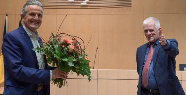 """""""Wir beide organisieren nun gemeinsam einen perfekten Übergang"""", sagt OBM Fritz Kuhn (rechts); hier mit seinem Nachfolger Frank Nopper. (Quelle: Landeshauptstadt Stuttgart/Lichtgut/Leif Piechowski)"""