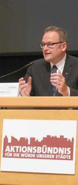 In Rheinland-Pfalz sei der Hilferuf der Kommunen bislang ungehört: OBM Markus Zwick bei der Pressekonferenz zur Petition. (Quelle: Andreas Erb)