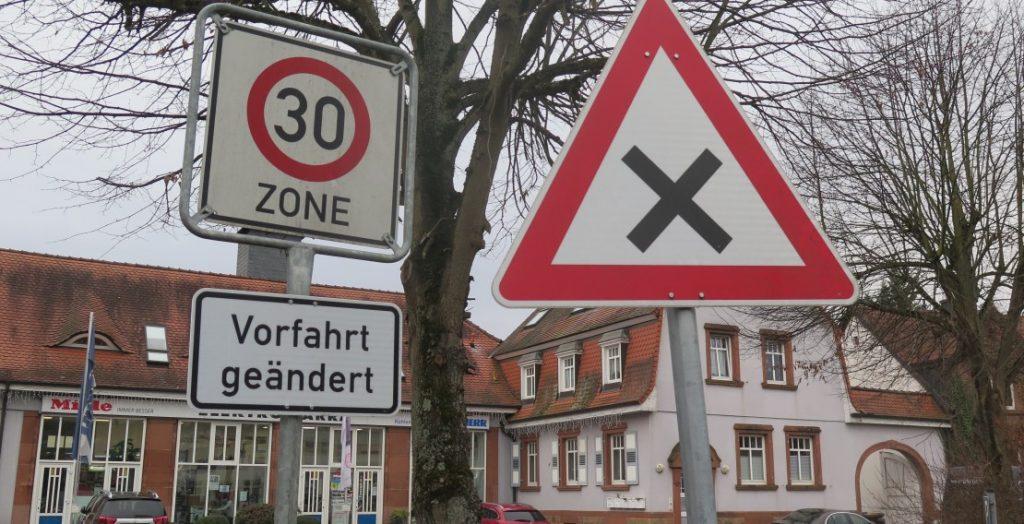 Tempo 30 Straßenschild (Quelle: Andreas Erb)