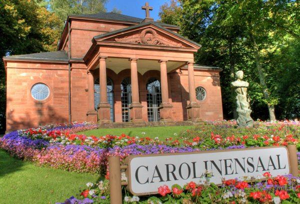 Repräsentationsgrün vor dem Carolinensaal in Pirmasens (Quelle: Stadt Pirmasens/Jan-Erik Nord)
