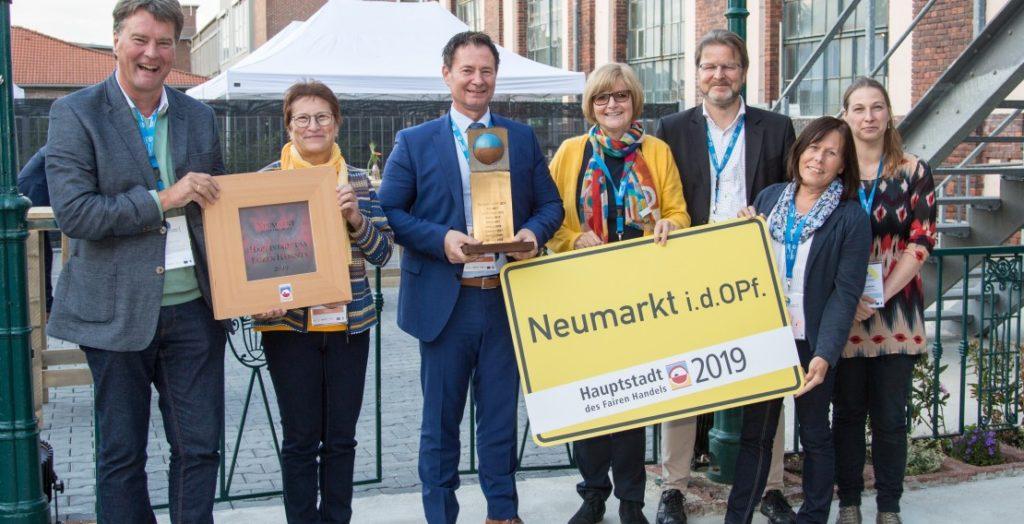 Neumarkt als Hauptstadt des Fairen Handels (Quelle: Stadt Neumarkt in der Oberpfalz/Jörg Loeffke)