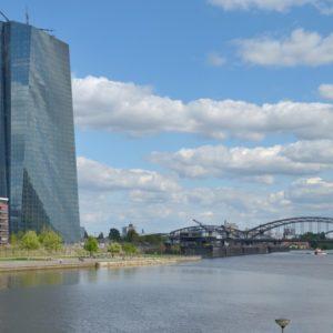 Europäische Zentralbank Frankfurt am Main (Quelle: visitfrankfurt/Holger Ullmann)