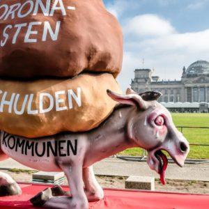 Kommunen als Lastesel (Quelle: Andreas Endermann/Aktionsbündnis Für die Würde unserer Städte)